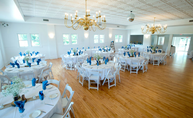 Waters-Edge-Vineyard-Weddings-Ballroom-03