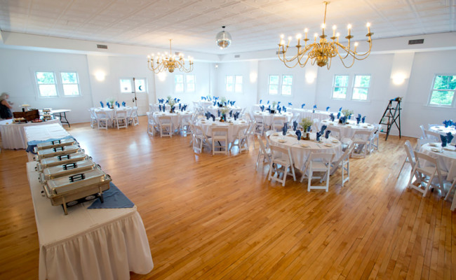Waters-Edge-Vineyard-Weddings-Ballroom-04