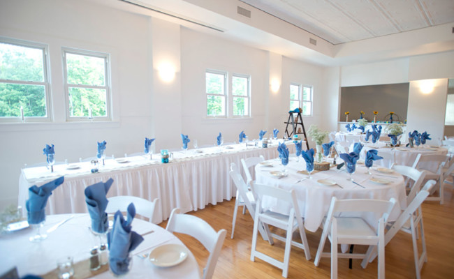 Waters-Edge-Vineyard-Weddings-Ballroom-09