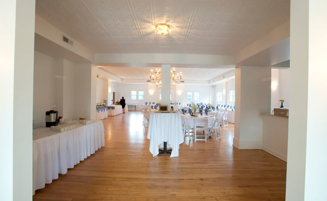 Waters-Edge-Vineyard-Weddings-Ballroom-11