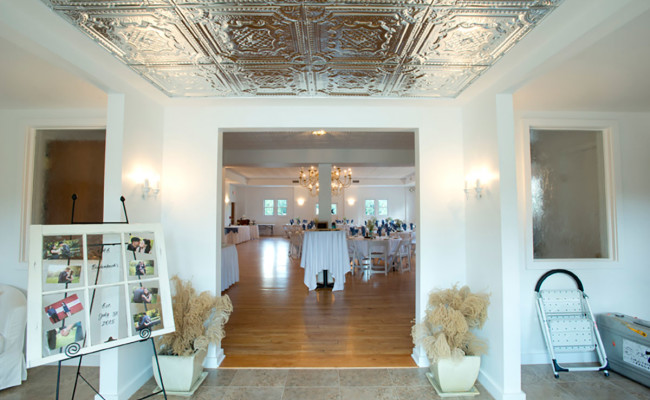 Waters-Edge-Vineyard-Weddings-Ballroom-12