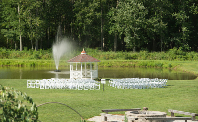 Waters-Edge-Vineyard-Weddings-Ceremony-01