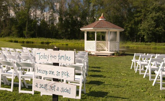 Waters-Edge-Vineyard-Weddings-Ceremony-02