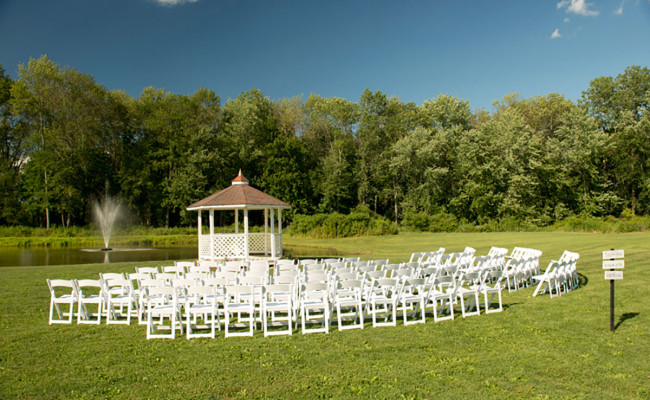 Waters-Edge-Vineyard-Weddings-Ceremony-03