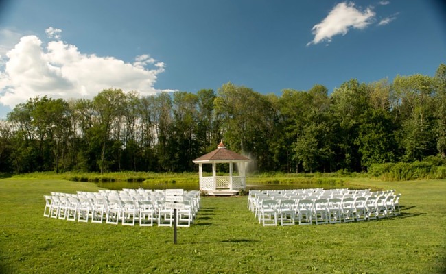 Waters-Edge-Vineyard-Weddings-Ceremony-04