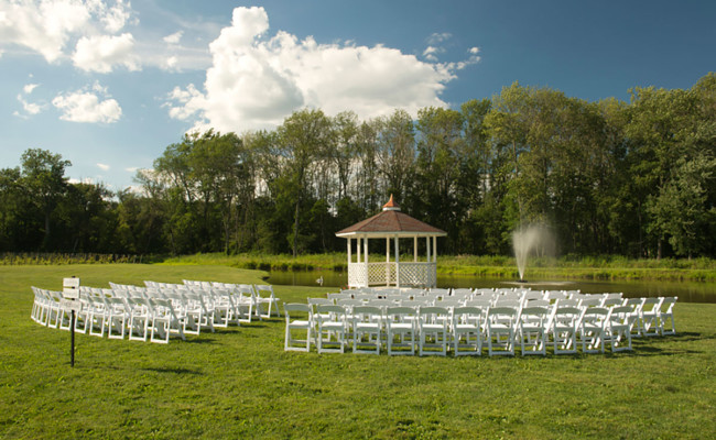 Waters-Edge-Vineyard-Weddings-Ceremony-05