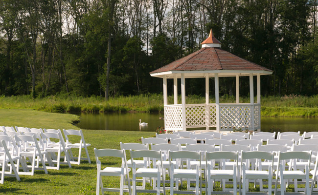 Waters-Edge-Vineyard-Weddings-Ceremony-06