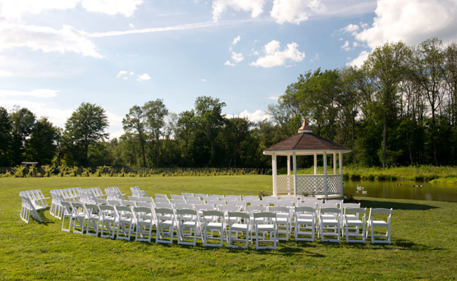 Waters-Edge-Vineyard-Weddings-Ceremony-07