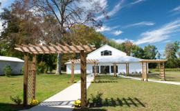 Waters-Edge-Vineyard-Weddings-Exterior-42
