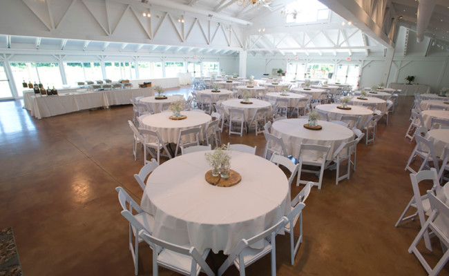 Waters-Edge-Vineyard-Weddings-Great-Hall-02