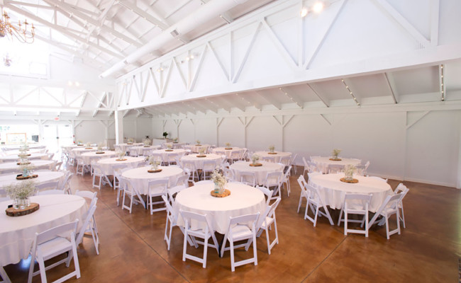 Waters-Edge-Vineyard-Weddings-Great-Hall-03