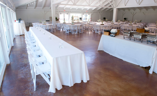 Waters-Edge-Vineyard-Weddings-Great-Hall-05