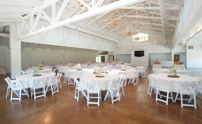 Waters-Edge-Vineyard-Weddings-Great-Hall-08