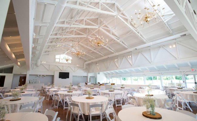 Waters-Edge-Vineyard-Weddings-Great-Hall-09