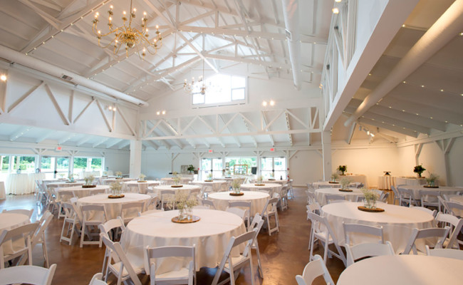 Waters-Edge-Vineyard-Weddings-Great-Hall-13