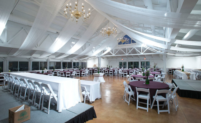 Waters-Edge-Vineyard-Weddings-Great-Hall-19